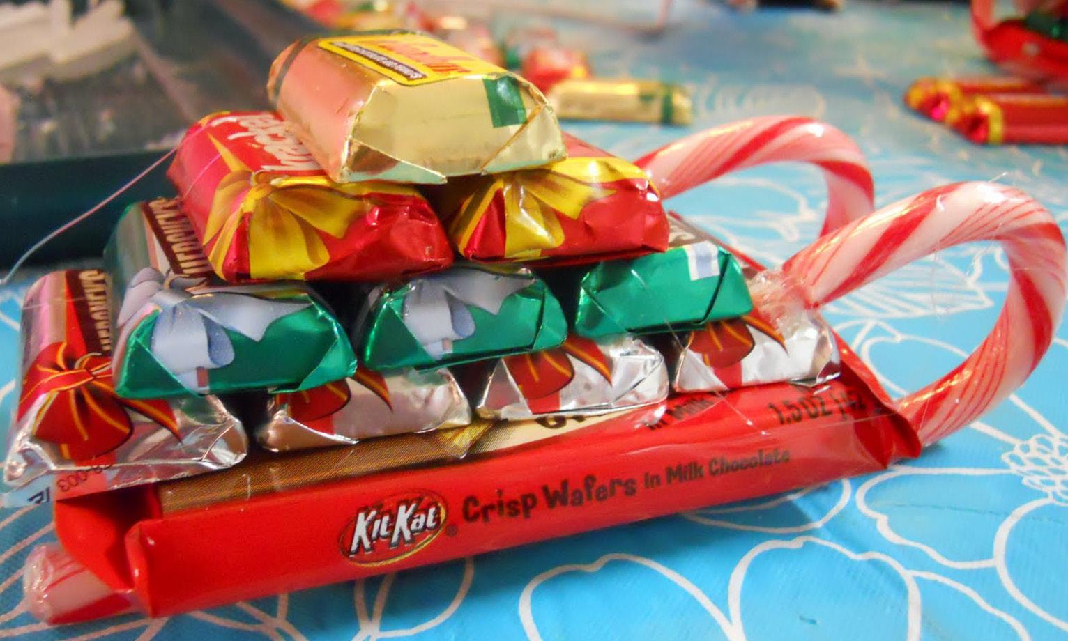 Упаковка подарков из конфет своими руками