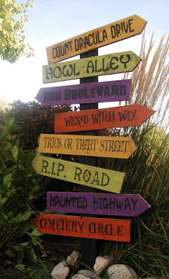 i like those directional signs theyre always fun going to sleepy hollow transylvania amityville halloweentown
