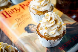 harry-potter-butterbeer-cupcakes-recipe-6